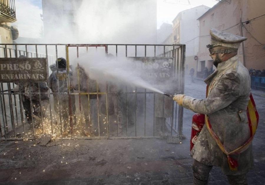 В Испании прошли традиционные мучные бои