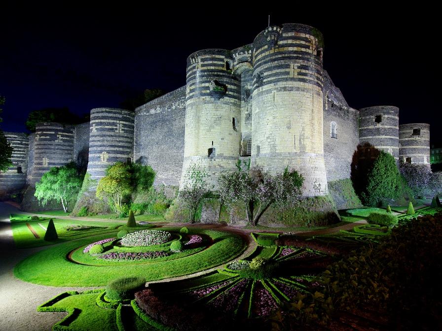 Самые красивые места Франции, Анжерский замок