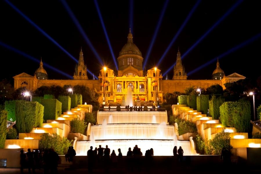 Самые красивые места Испании, поющий фонтан Монжуик в Барселоне