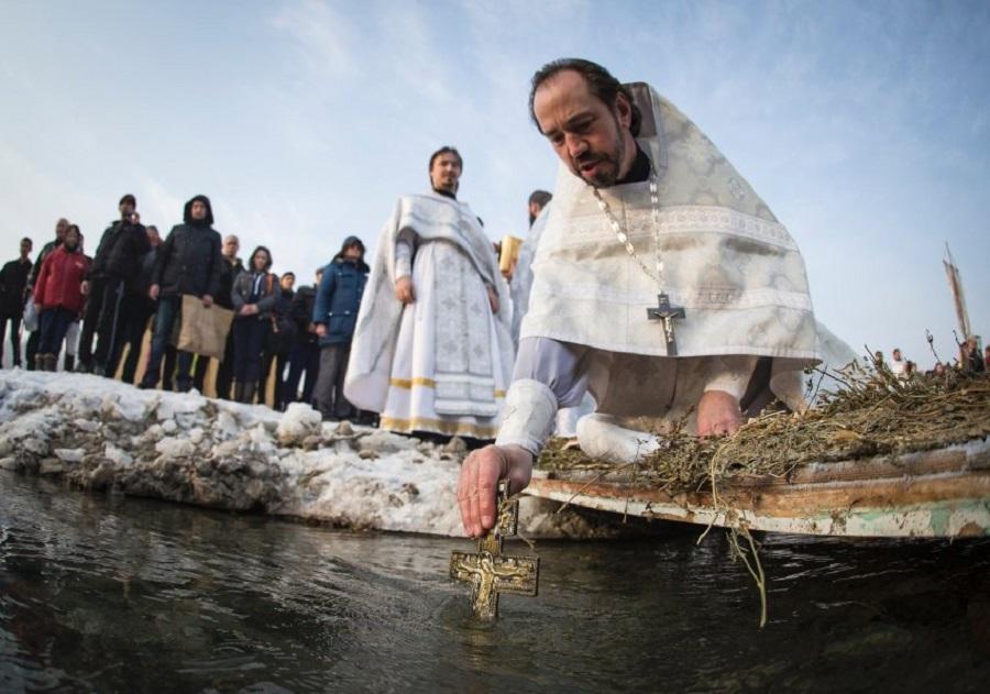 Крещение в России
