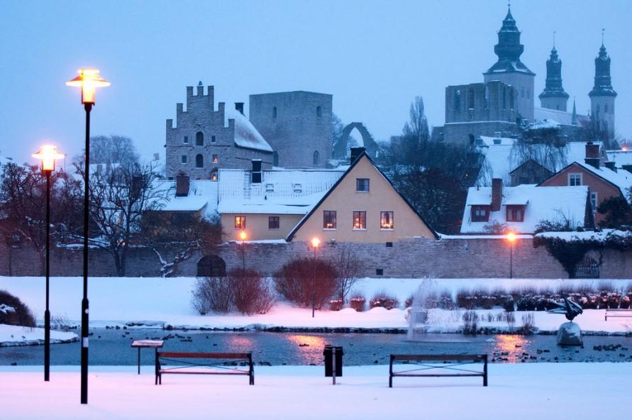 Достопримечательности Швеции. Средневековый город Висбю на острове Готланд