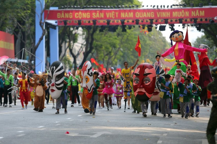 Военный парад во Вьетнаме