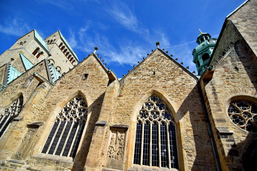Собор Вознесения Святой Марии, также Хильдесхаймский собор - кафедральный собор, кафедра епископа Хильдесхайма