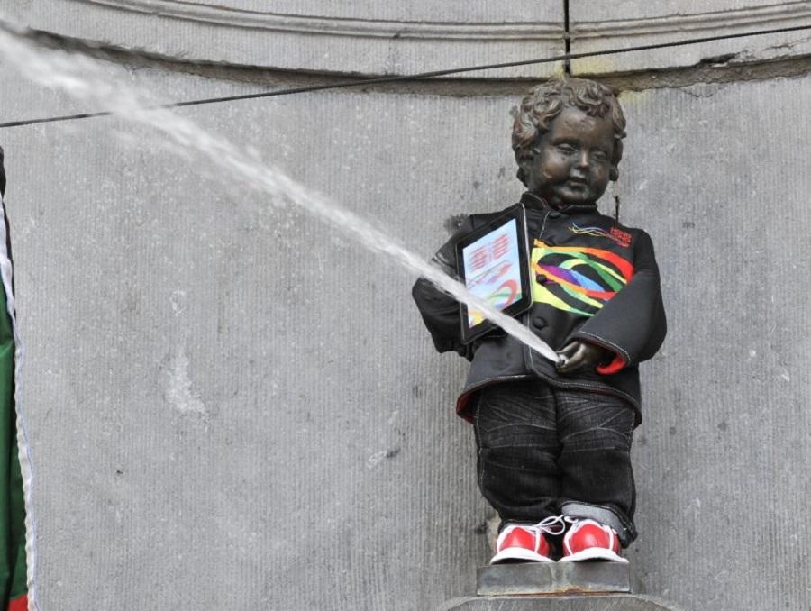 Скульптура «Писающий мальчик»