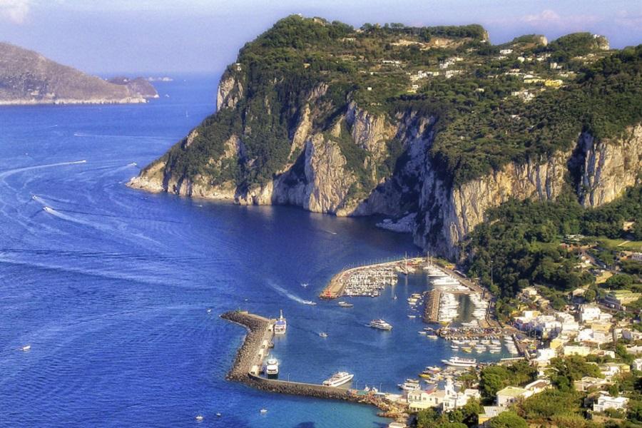 Капри (Италия) - место 16