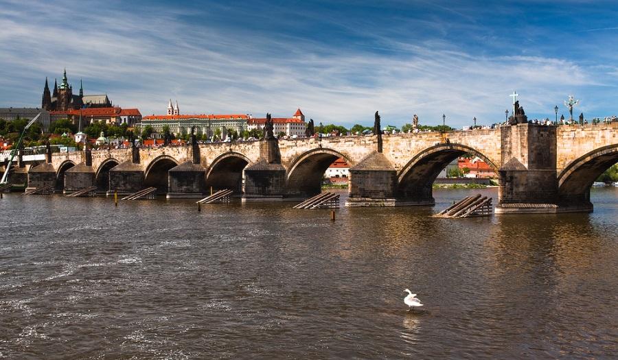Главные достопримечательности Праги, Карлов мост