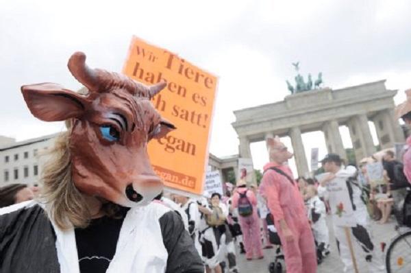 Акция вегетарианцев в Берлине
