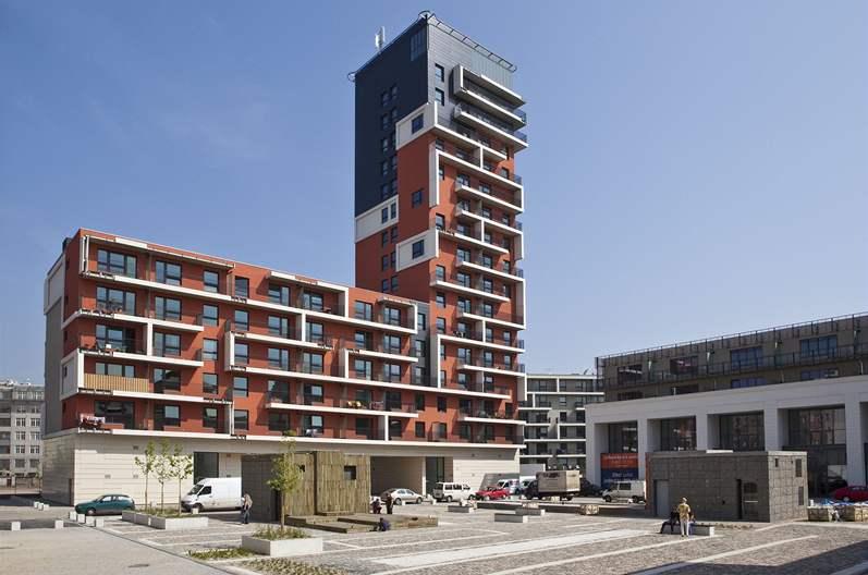 Современная архитектура тоже придает уникальность и шарм городу