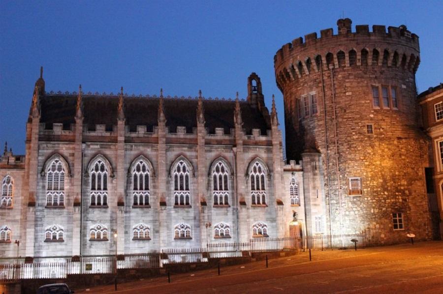 Замок в Дублине, где работал Брэм Стокер