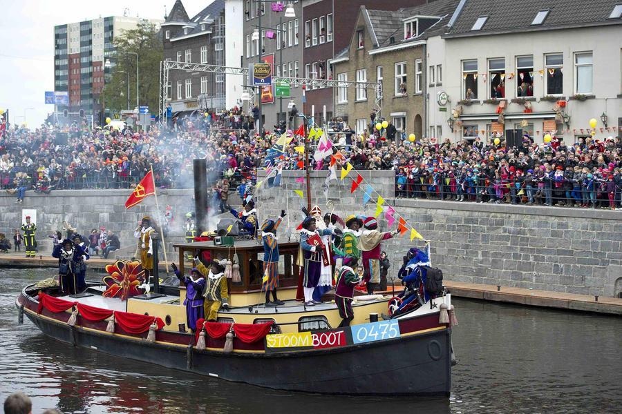 Синтаклаас в Амстердаме