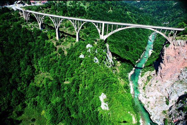 tara-river-canyon