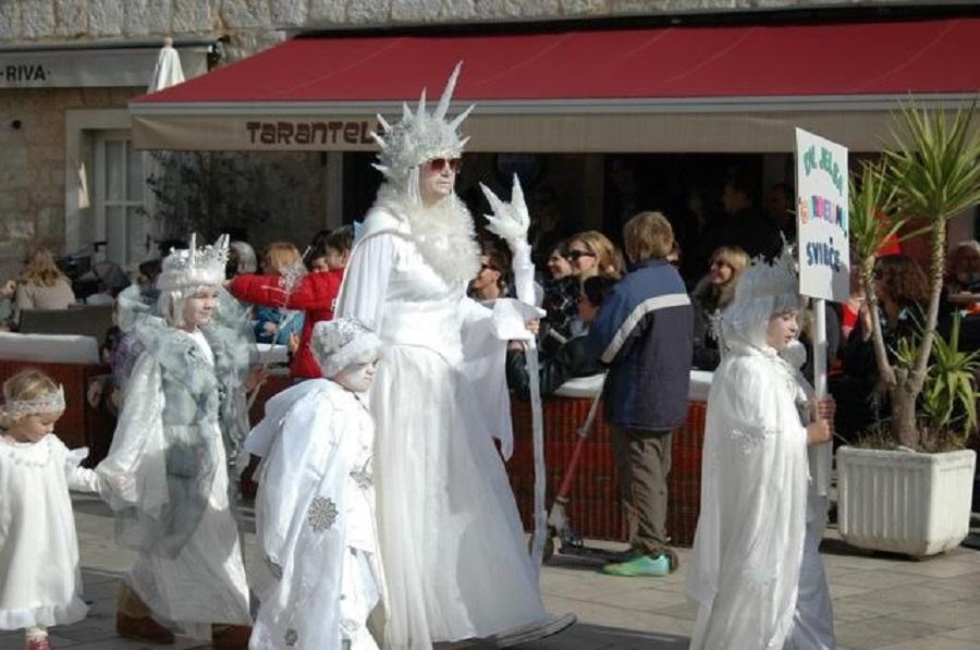 Карнавал в Елсе
