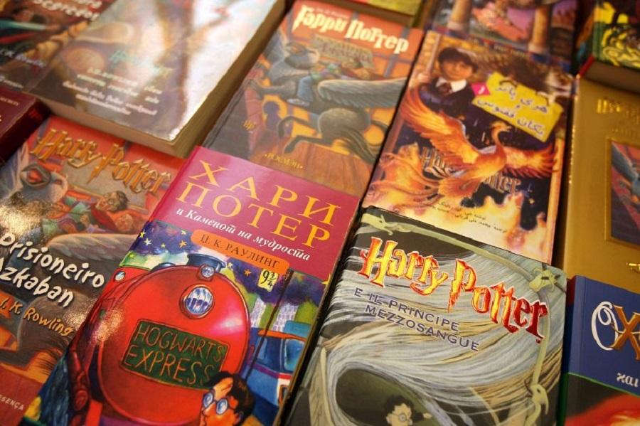 Коллекция книг на разных языках
