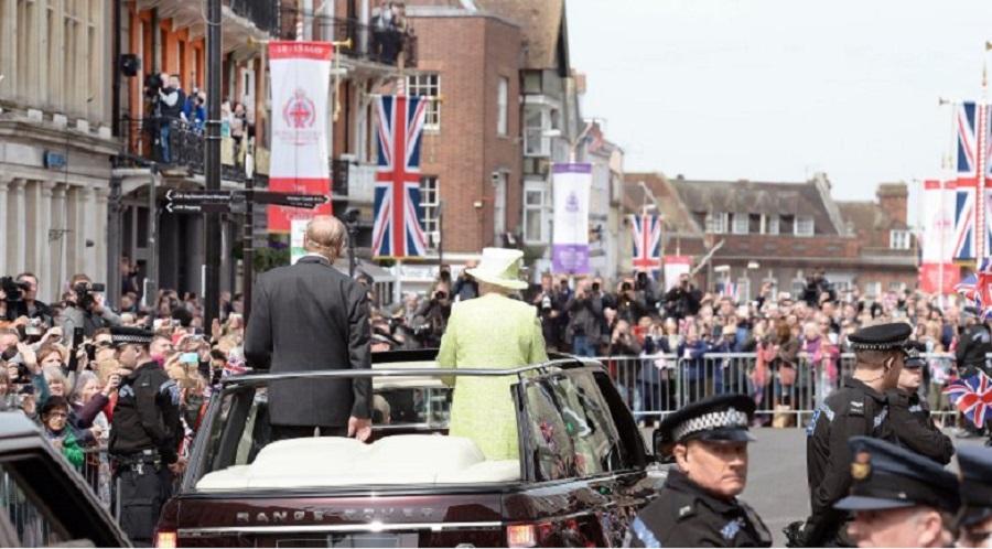 Королева и ее подданные
