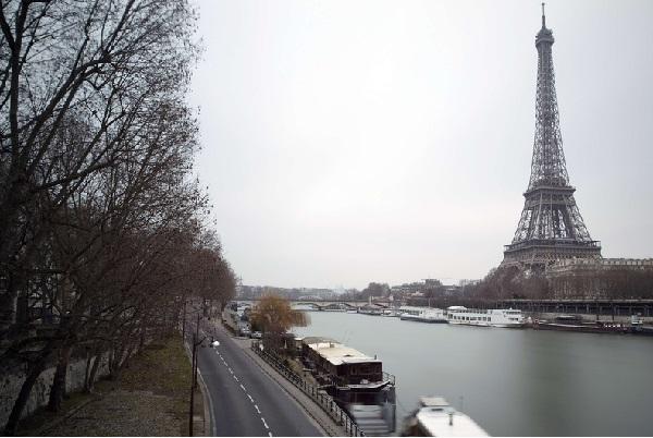 Из Парижа исчезнут старые автомобили