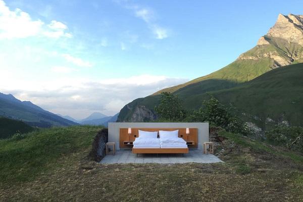 Кровать в долине Сафьен