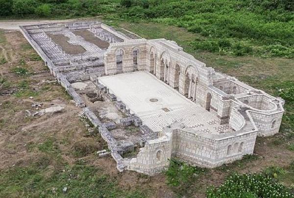 Большая базилика